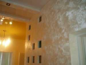 Декоративная краска для стен, характеристика особенностей с фото