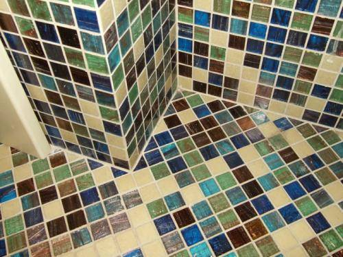 Как класть мозаику на стену, чтобы создать роскошный интерьер?