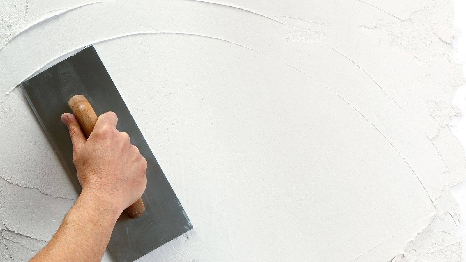 Как шпаклевать стены в квартире