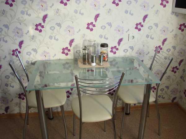 Мебель для маленькой кухни: кухонный гарнитур, стол и стулья, варианты планировки и выбор цветовой гаммы