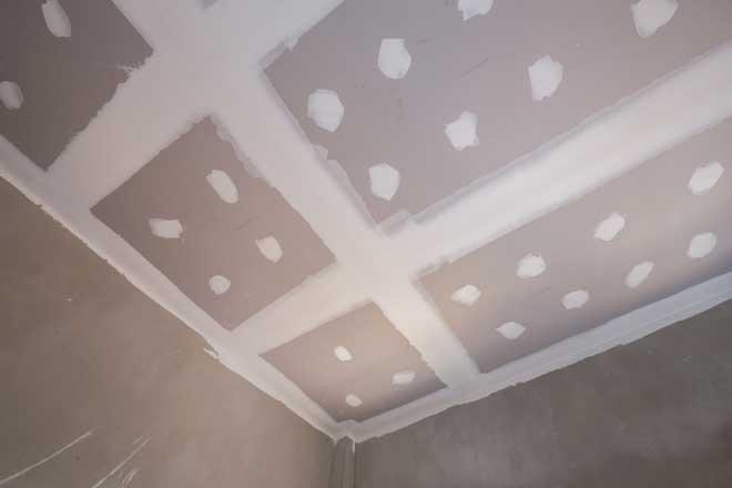 Учимся шпаклевать потолки под покраску самостоятельно