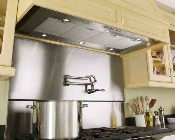 Нужна ли вытяжка на кухне - обходимся без вентиляции