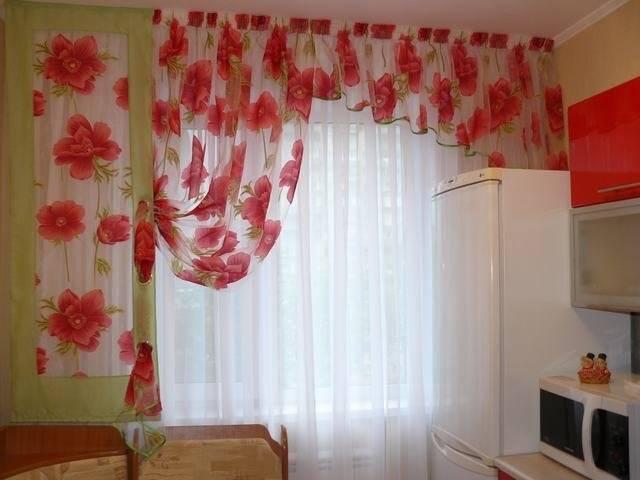 Длинные шторы на кухню в пол: разновидности, новинки, фото