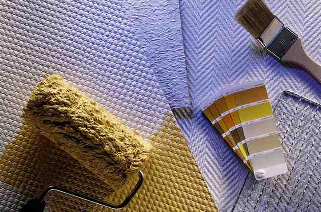 Как клеить стеклообои под покраску: процесс правильной поклейки стеклообоев на стены пошагово