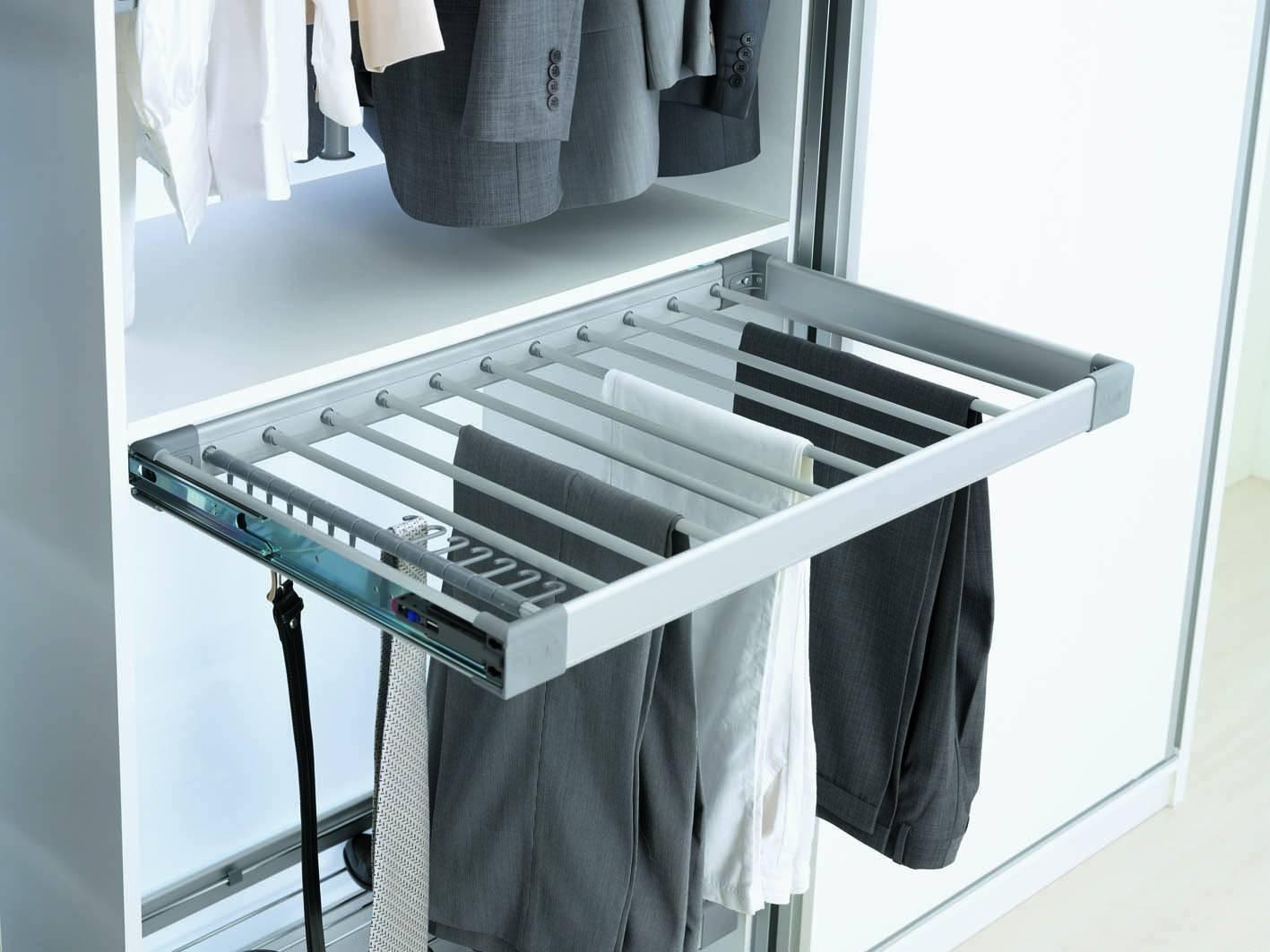 Выдвижная брючница для шкафа: модели шириной 80 см