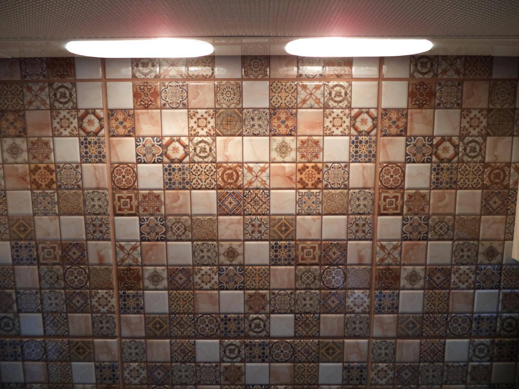 Мозаика в интерьере: 80+ фото, идеи облицовки стен, пола, предметов интерьера