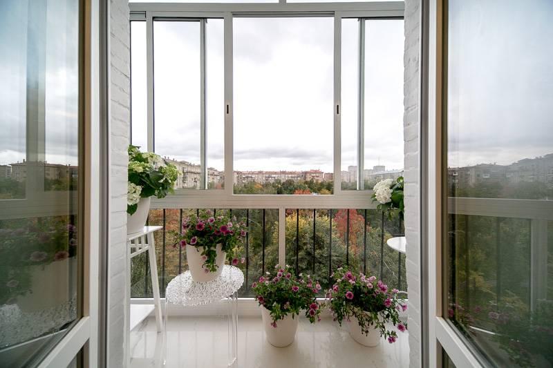 Французское остекление балкона (62 фото): окна и лоджии вместо балконного блока в квартире