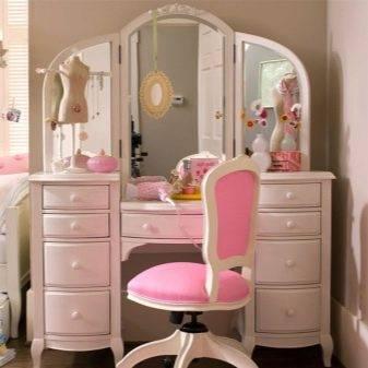 Детский туалетный столик: деревянная конструкция для подростка, варианты мебели в комнату для детей