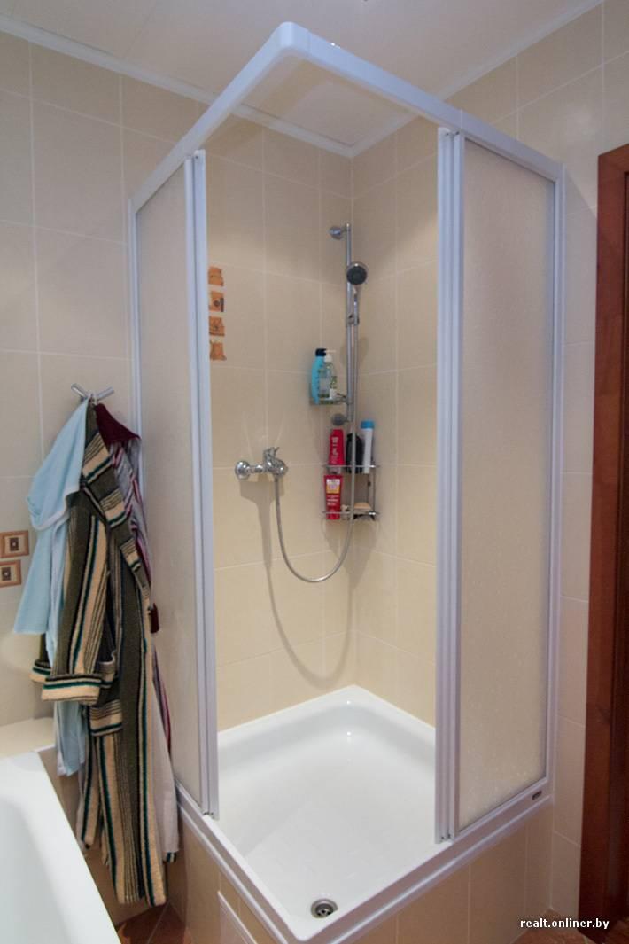 Парень сделал уникальный ремонт в нестандартной ванной. фото до/после