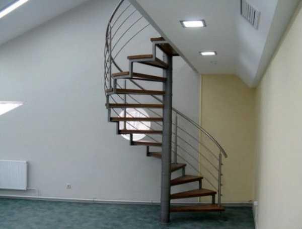 Как своими руками сделать винтовую лестницу на второй этаж