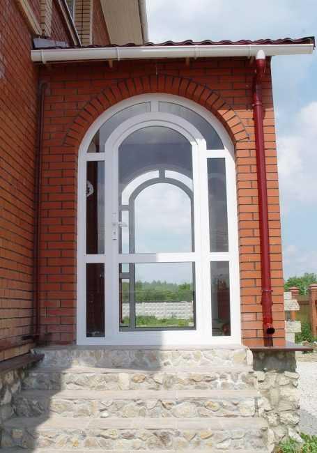 Дверь гармошка в арку - один из методов сокрытия проема