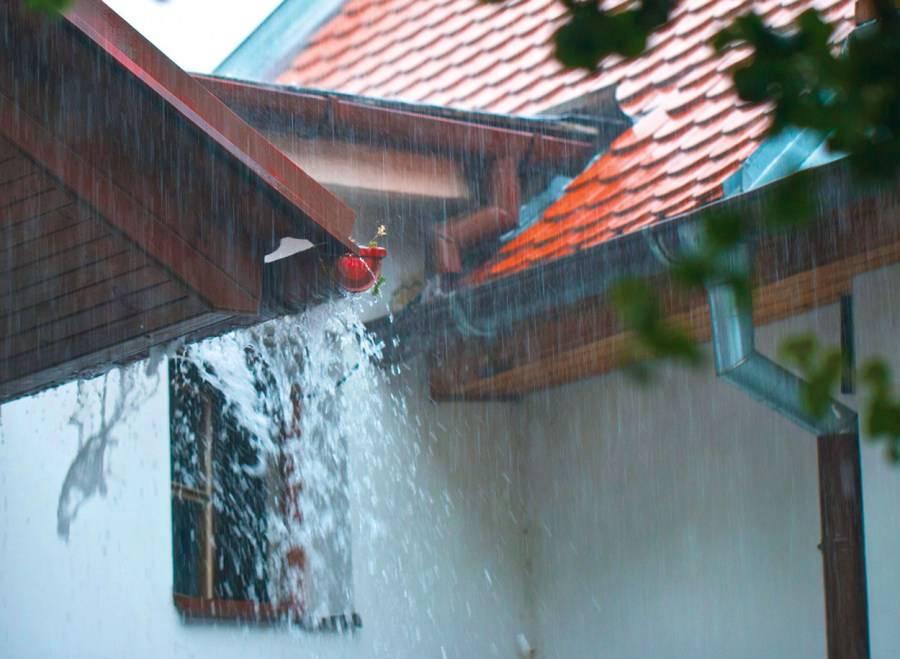 Как сделать водосток с крыши: установка своими руками, как правильно собрать, как монтировать водосточную систему, как крепить, установить трубы, водостоки, кронштейны, схема