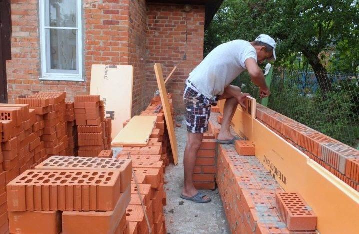 Пристройка к дому из бруса (33 фото): как пристроить к деревянному коттеджу, брусовая конструкция своими руками, варианты из профилированного материала