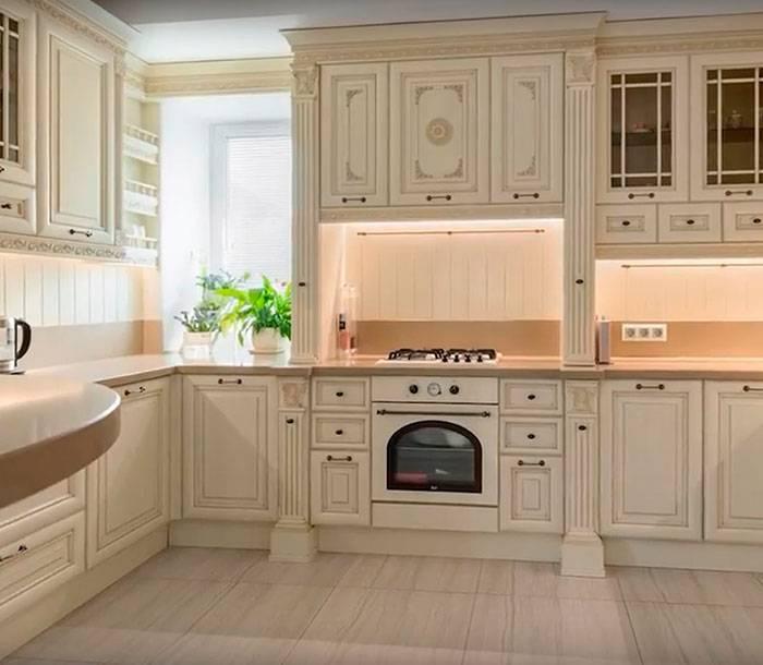 Кухни под старину: фото деревянных кухонь, из массива сосны, своими руками, дизайн мебели, сделанный интерьер, фасады, белая, видео