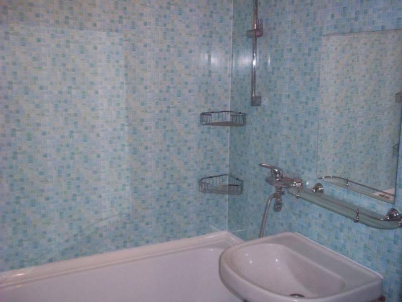 Отделка ванной комнаты пластиковыми панелями – виды панелей и варианты ремонта