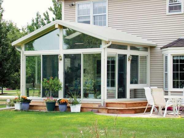 Веранда и терраса к дому – как сделать свой загородный отдых комфортным?