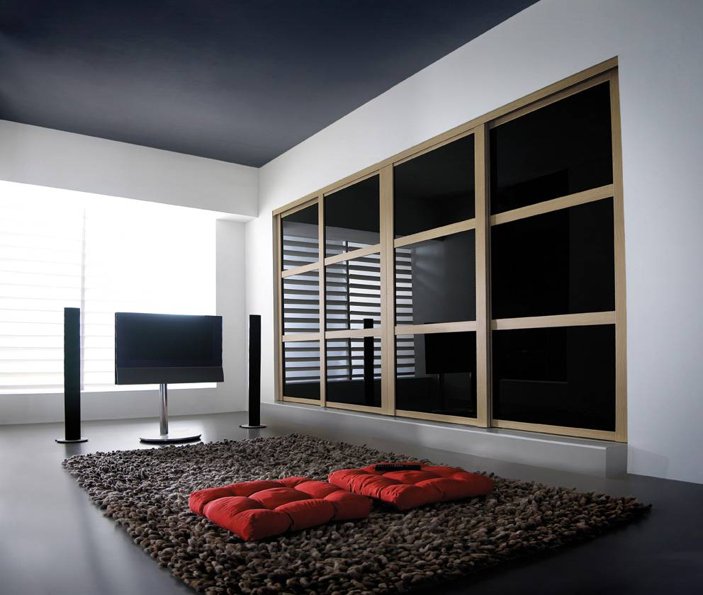 Обзор распашных шкафов для прихожей, важные нюансы подбора