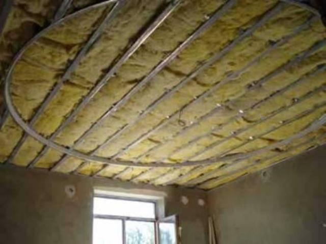 Советы как утеплять потолок пенопластом