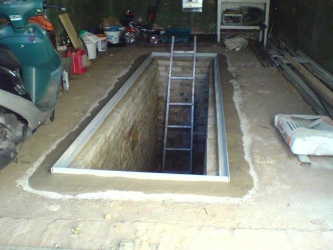 Смотровая яма в гараже своими руками: непросто, но возможно