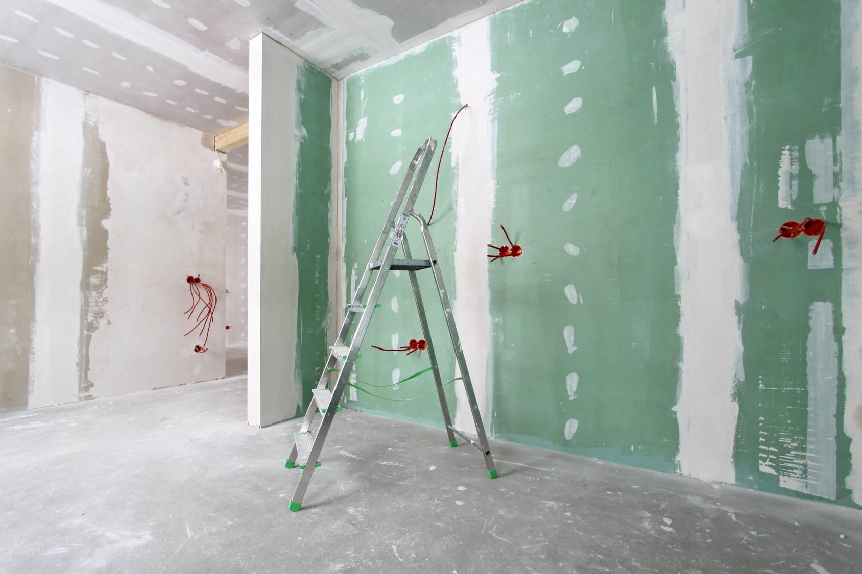 Как правильно грунтовать стены из гипсокартона перед шпаклевкой