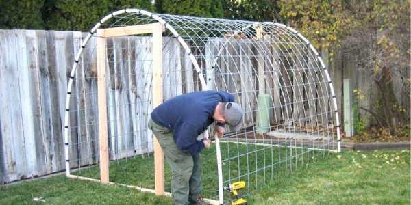Различные способы изготовления парников из дуг с укрывным материалом