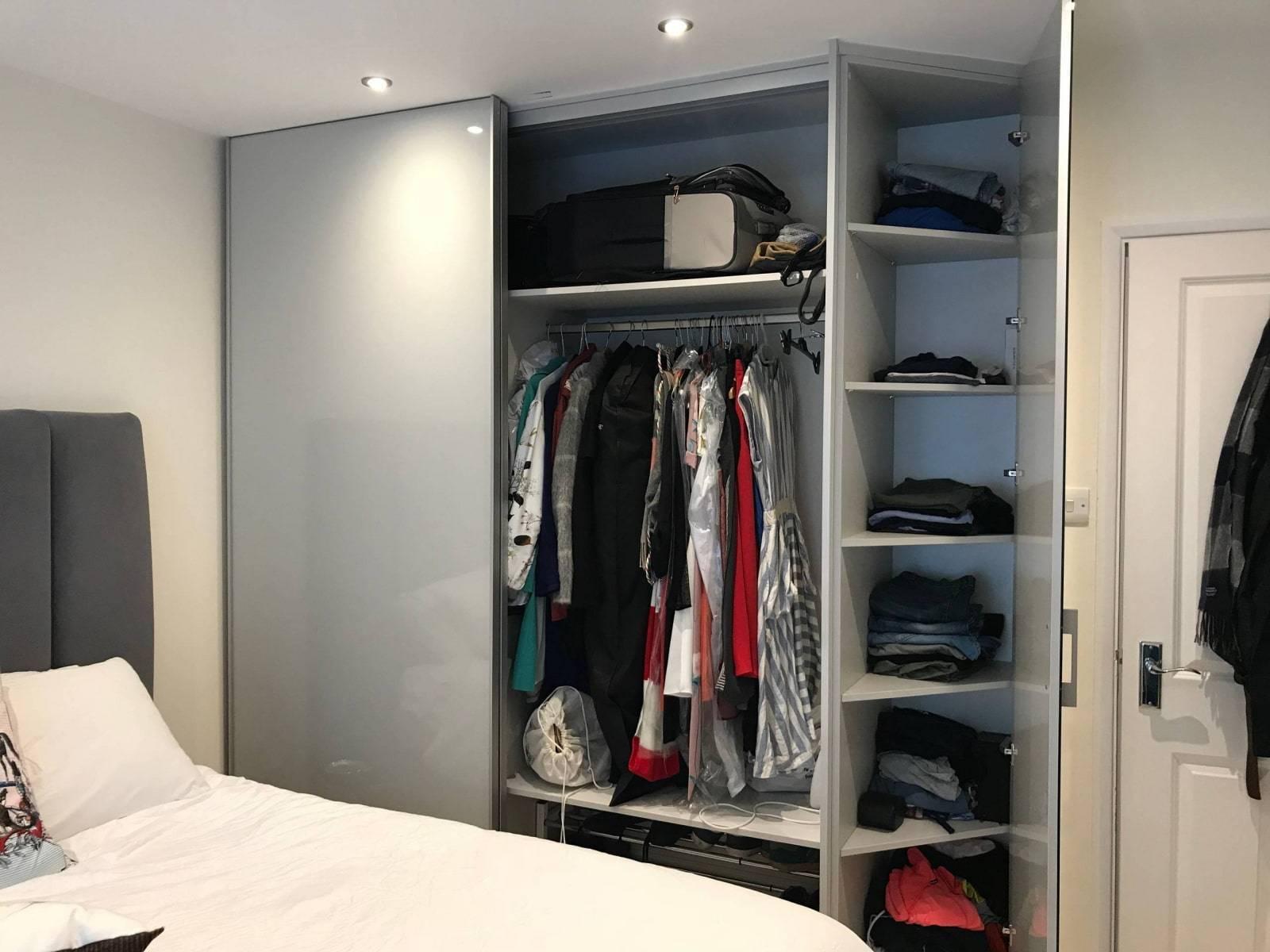 Встроенный шкаф-купе в спальне (56 фото): дизайн встраиваемого углового красивого шкафа, наполнение внутри