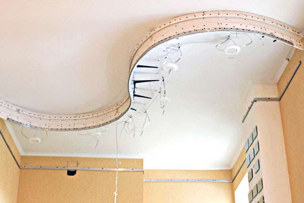 Двухуровневые натяжные потолки с подсветкой: монтаж своими руками