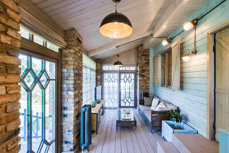 Дизайн веранды (55 фото): терраса загородного дома с выходом, красивый интерьер и оформление, открытая и закрытая с кухней, видео