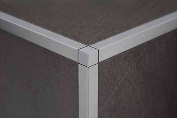 Виды и особенности использования уголков для плитки, пошаговая инструкция по установке тримов в ванной комнате