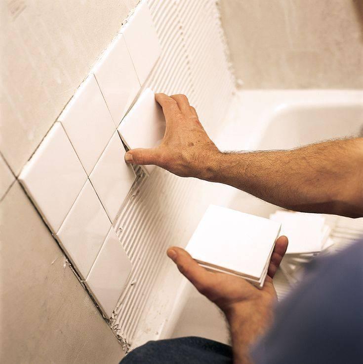 Как класть плитку на стену правильно: пошаговая инструкция по облицовке