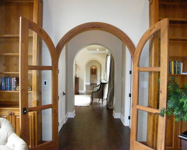 Как выбрать дверь в зал