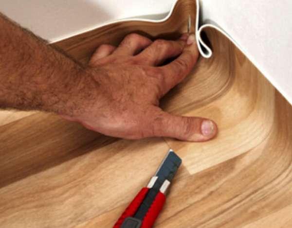 Как склеить линолеум между собой своими руками