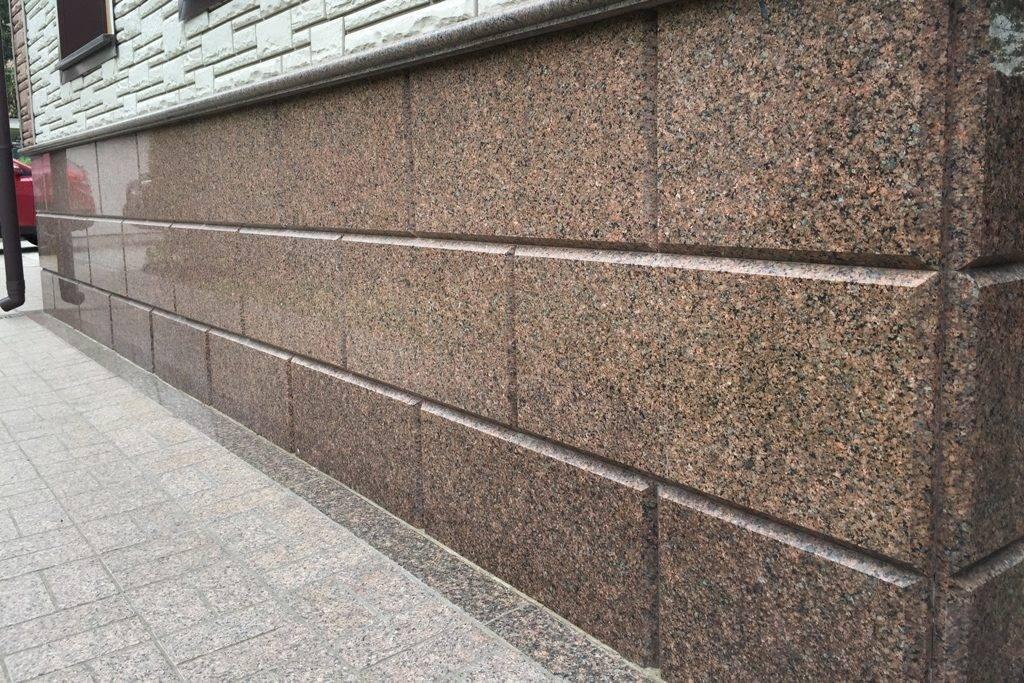 Камень для цоколя облицовочный: отделка искусственным камнем
