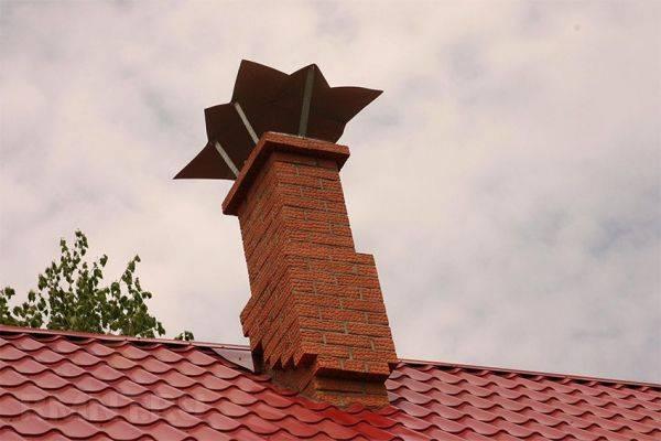 Герметизация трубы на крыше из профнастила
