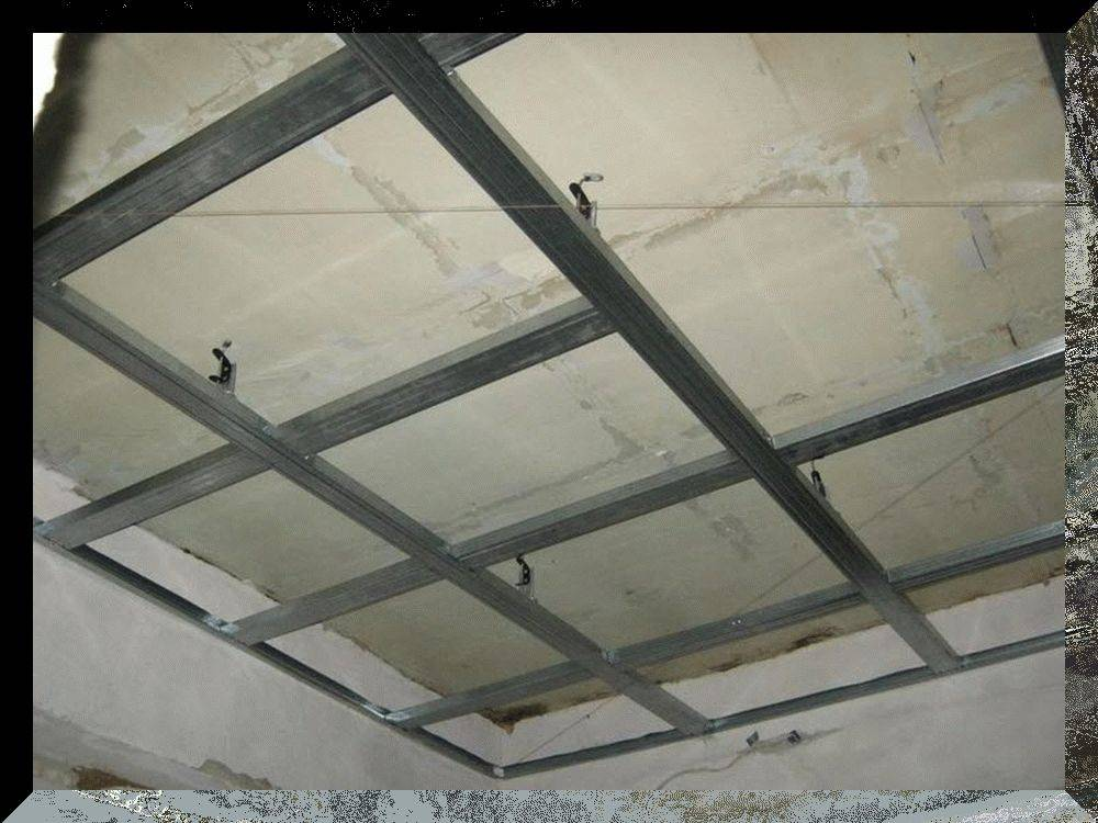 Каркас под гипсокартон из металлопрофиля на потолок мансарды