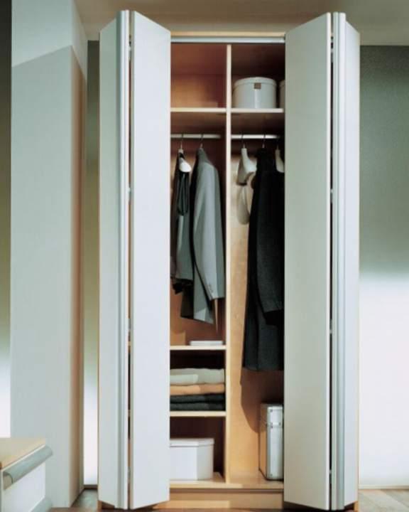 Особенность петель для межкомнатных складных дверей гармошка