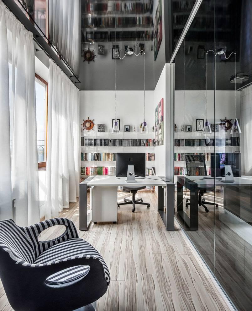 Кассетный зеркальный потолок - преимущества, недостатки и примеры