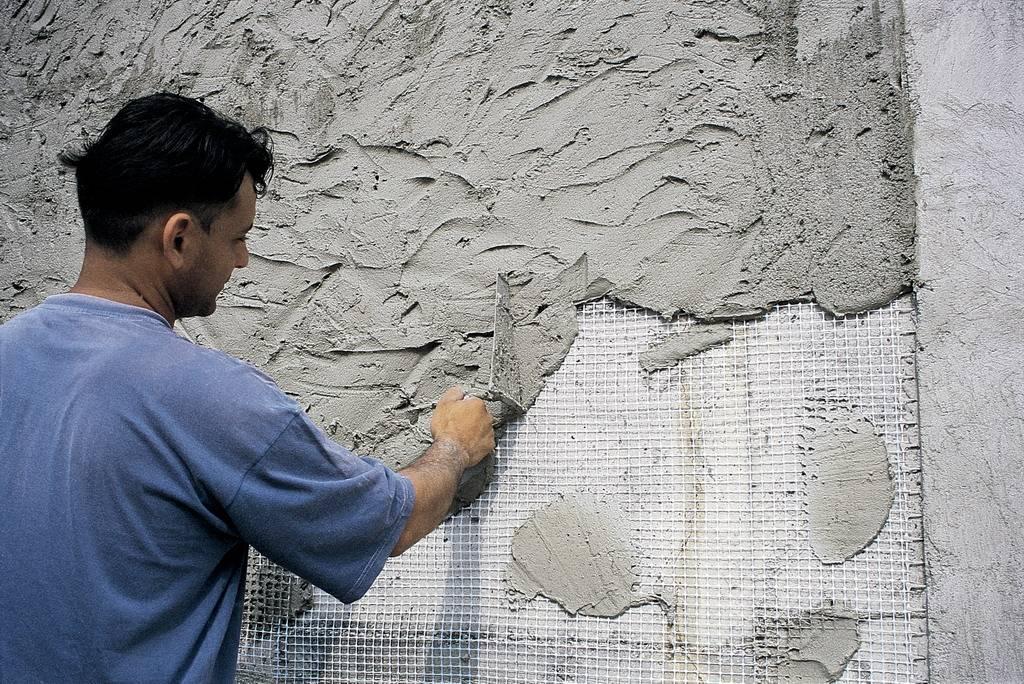 Какие материалы нужны для оштукатуривания стен