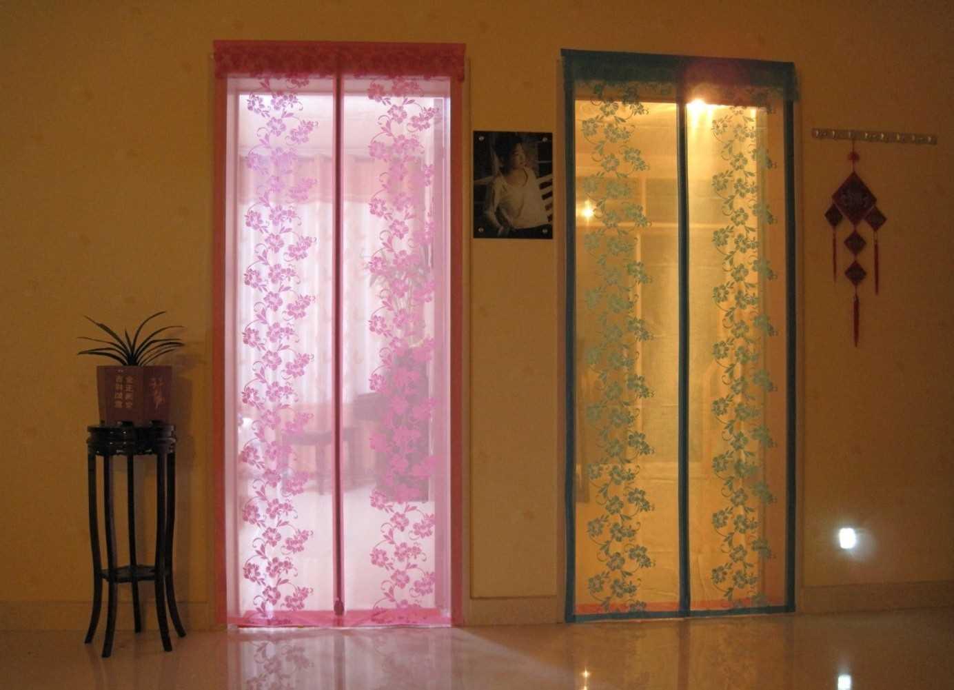 Декорирование проема шторами на дверь