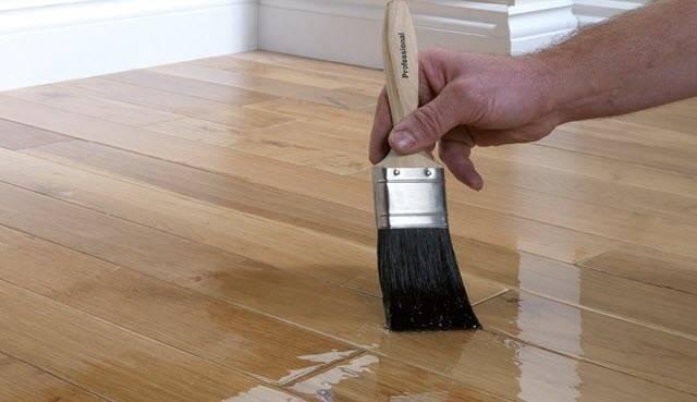 Грунтовка для дерева под покраску: составы под покрытие акриловыми красками, чем нужно грунтовать лестницу и деревянный пол