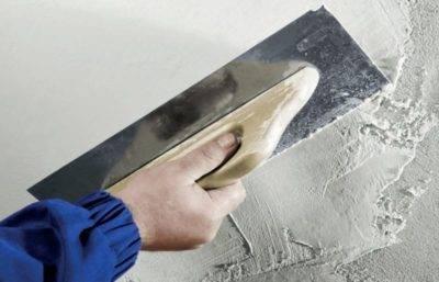 Какая шпаклевка лучше для стен под обои – как сделать правильный выбор