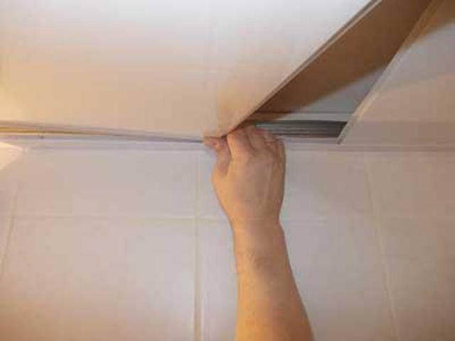 Пластиковый потолок своими руками: пошаговый процесс монтажа