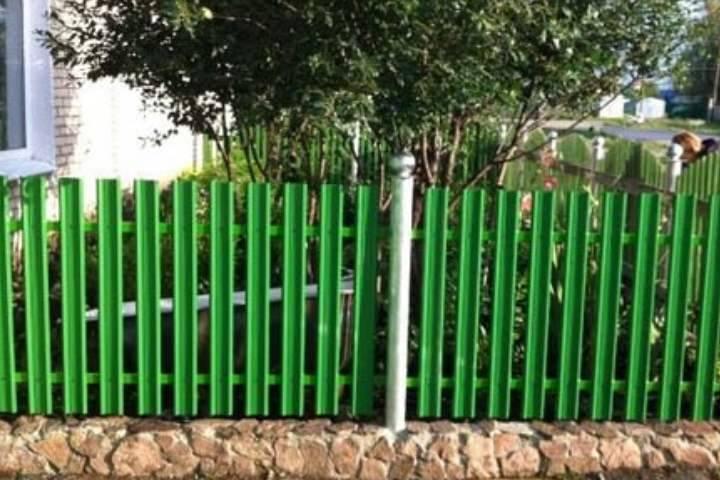 Ограждения для клумб своими руками: 8 идей как сделать заборчики