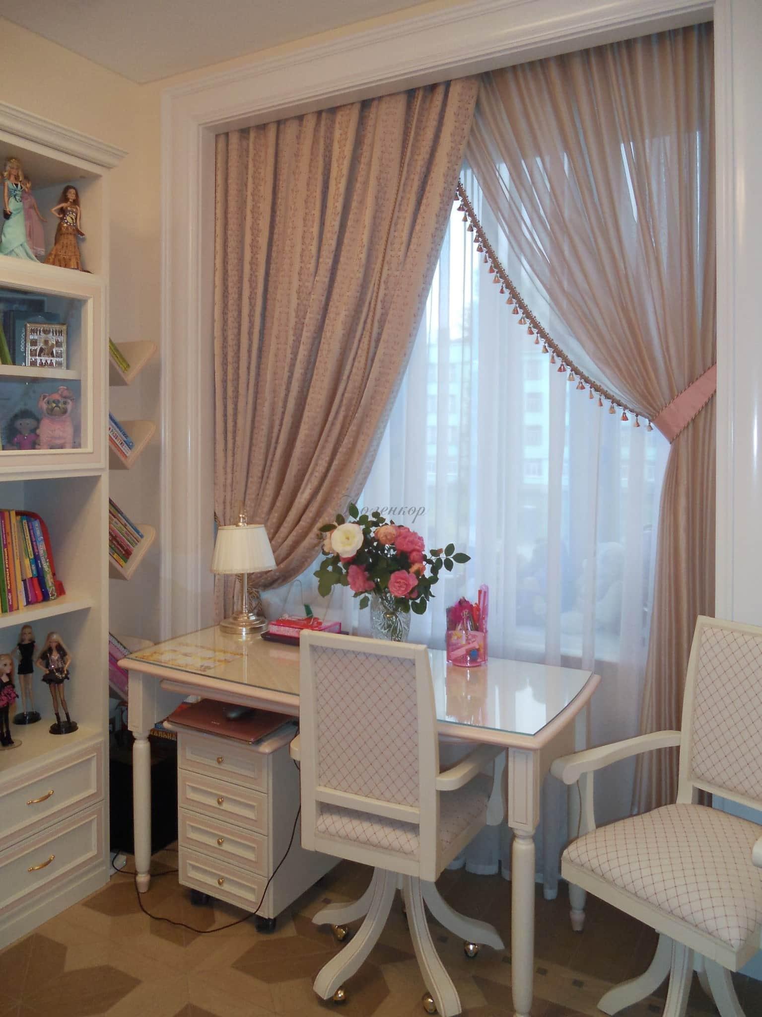 Тюль в гостиной: 80+ фото в интерьере, избранные идеи и примеры оформления окна