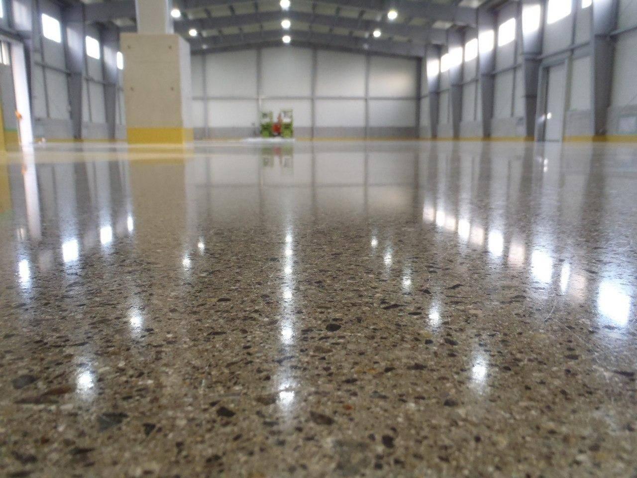 Самостоятельно изготовляем бетонные полы с топпингом