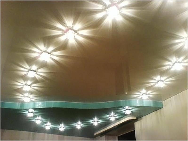 Как расположить точечные светильники на натяжном потолке: оптимальное расстояние и примеры схем