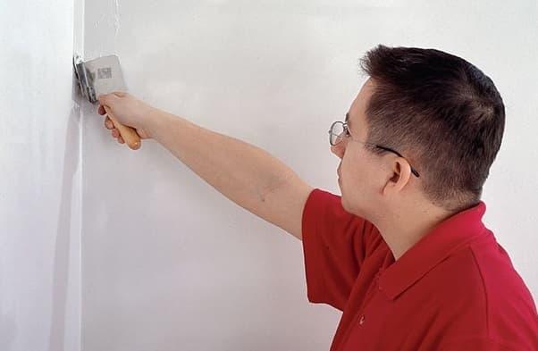 Как шпаклевать углы стен?