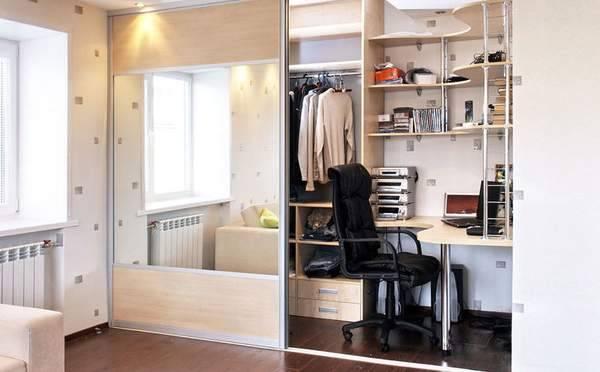 Платяной шкаф — что это: особенности конструкции, история, модели и правила выбора