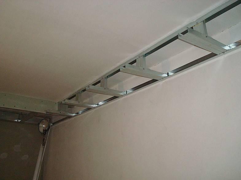 Короб из гипсокартона на потолке (64 фото): крепление двухуровневого потолка из гипсокартона на профиль, как сделать каркас