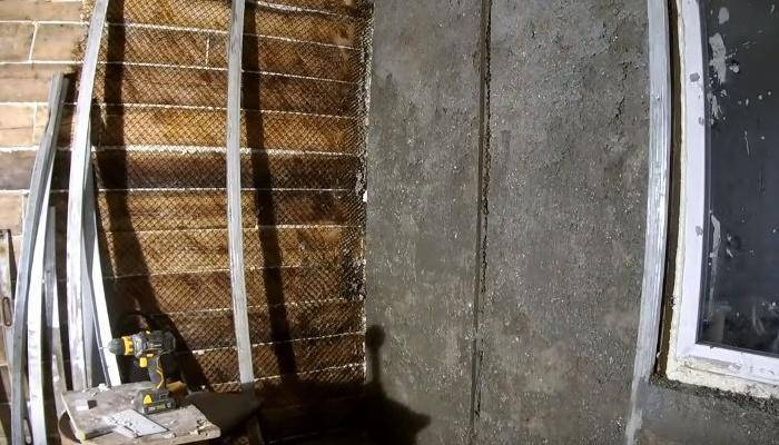 Как оштукатурить деревянный дом снаружи?